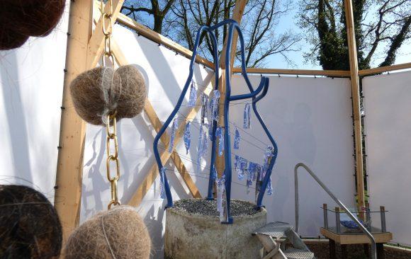 PR-Haren-in-de-Wind-Mariabeeld-replicakerk, kunstinstallatie-begraafplaats-Langezwaag, Under-de-Toer -LF2018, beeldende-kunst-lf2018, kunstenaar-Wietske-Lycklama-à-Nijeholt