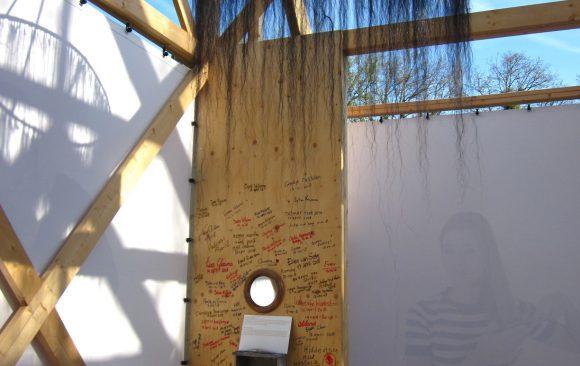 PR-Haren-in-de-Wind-de-kam-paardenhaar-replicakerk, kunstinstallatie-begraafplaats-Langezwaag, Under-de-Toer -LF2018, beeldende-kunst-lf2018, kunstenaar-Wietske-Lycklama-à-Nijeholt