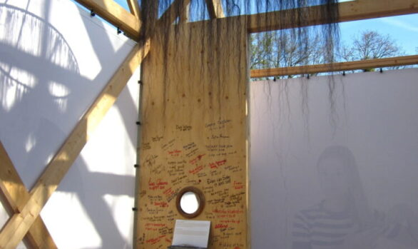 Haren-in-de-Wind-de-kam-paardenhaar-replicakerk, kunstinstallatie-begraafplaats-Langezwaag, Under-de-Toer -LF2018, beeldende-kunst-lf2018, kunstenaar-Wietske-Lycklama-à-Nijeholt