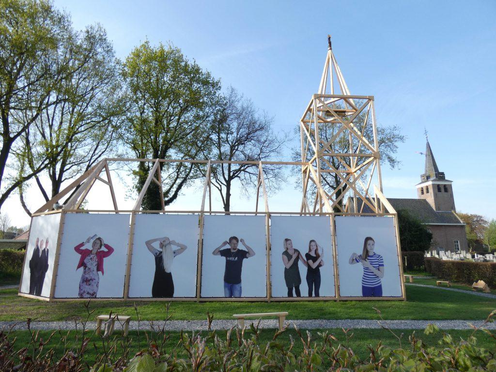 PR-replicakerk-Haren-in-de-Wind-LF2018-Haren-in-de-Wind-kerk, kunstinstallatie-begraafplaats-Langezwaag, Under-de-Toer -LF2018, beeldende-kunst-lf2018, kunstenaar-Wietske-Lycklama-à-Nijeholt