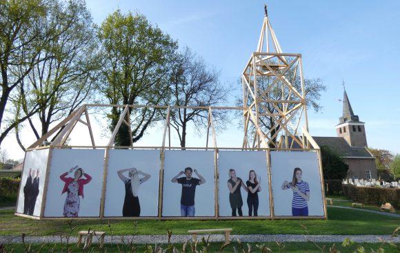 Replicakerk-Haren-in-de-Wind-LF2018-kerk, kunstinstallatie-begraafplaats-Langezwaag, Under-de-Toer -LF2018, beeldende-kunst-lf2018, kunstenaar-Wietske-Lycklama-à-Nijeholt