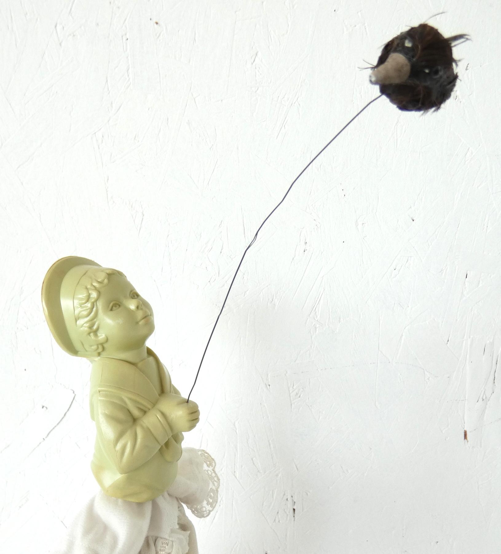 Armoedig geloof kunstbeeld, ruimtelijk werk, textielkunst, textiel art, artwork, dutchartist, kunstenaar Wietske Lycklama à Nijeholt