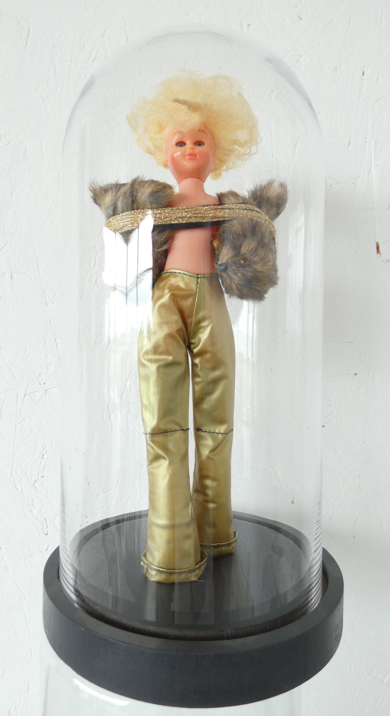 Beresterk stolpbeeld, kunstobject, kunstbeeld, artwork, kunstkopen, textielkunst, dutch artist Wietske Lycklama à Nijeholt