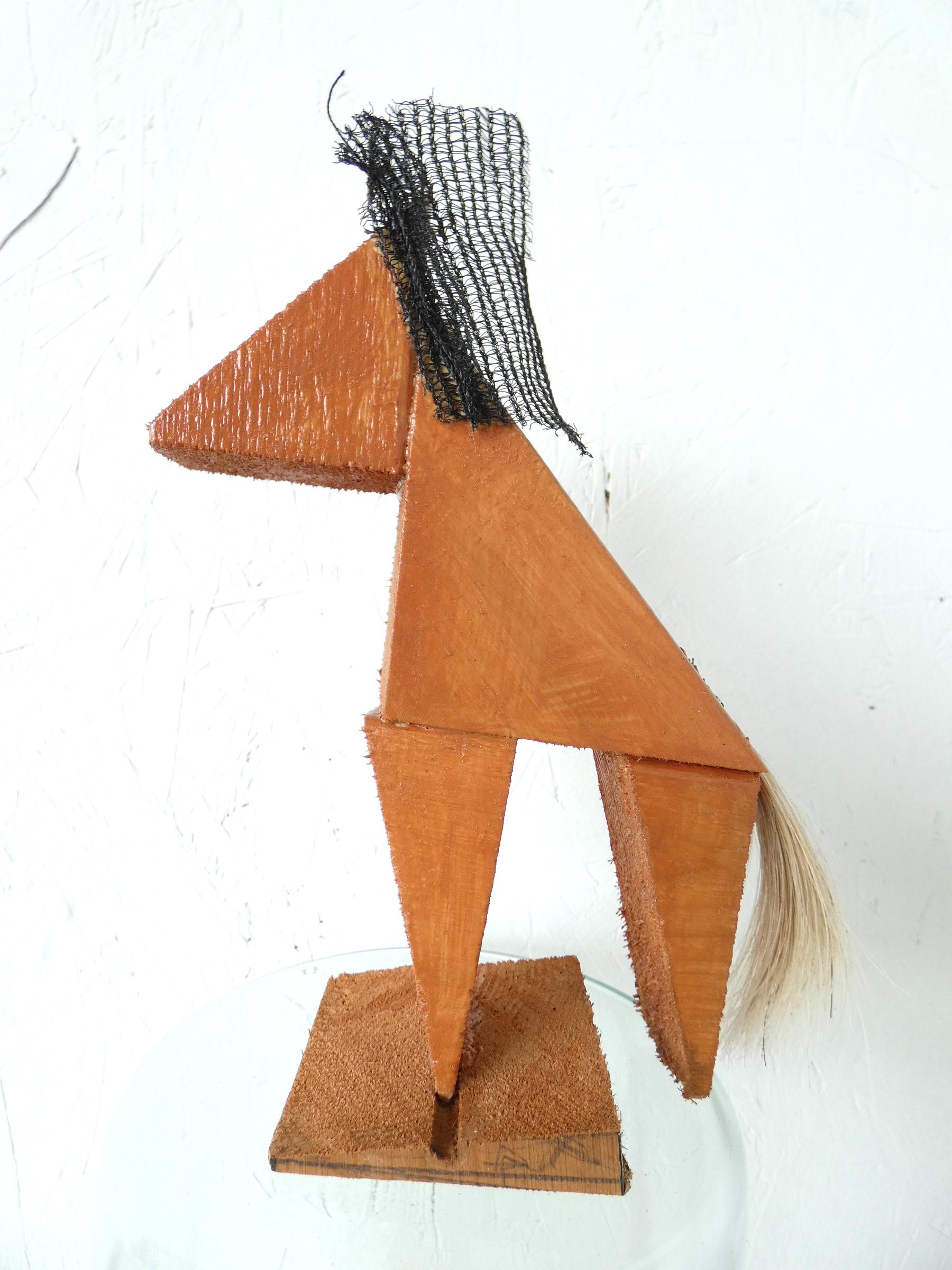 Tang paardje kunstbeeld, tang horse, paardenhaar, artwork, kunst, art, artlovers, hout, kunst kopen, artcollectors, sculpture, art at home, kunstenaar Wietske Lycklama à Nijeholt