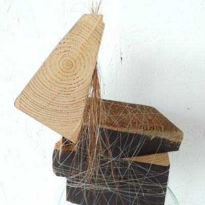 blok paardje kunstbeeld, block horse, paardenhaar, artwork, artlovers, hout, kunst kopen, mixed media, sculpture, kunstenaar Wietske Lycklama à Nijeholt