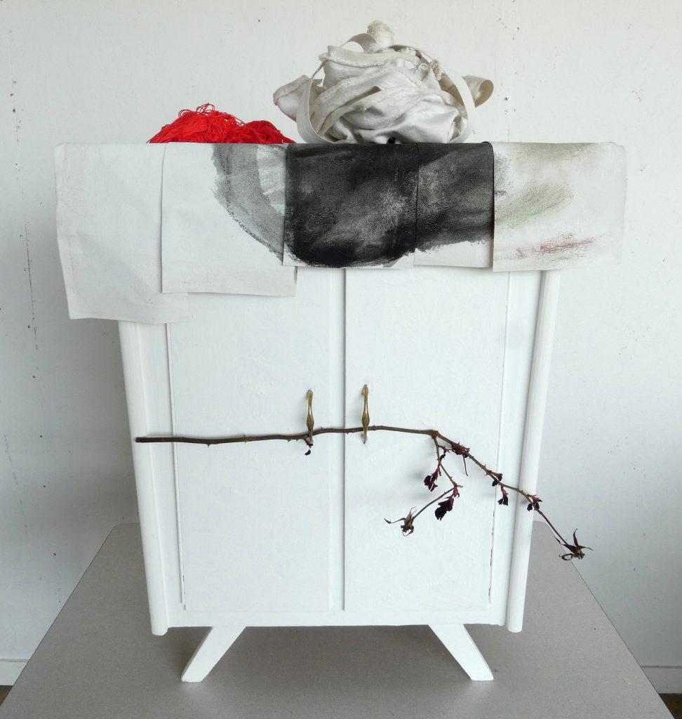 Jonkvrouw Doorn beeld, kroon, kunstbeeld textiel, textielkunst, hedendaagse kunst, Wietske Lycklama à Nijeholt